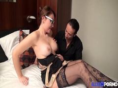 Super seductive video category anal (902 sec). Katerina, russe sexy se fait enculer pendant que son mari regarde.